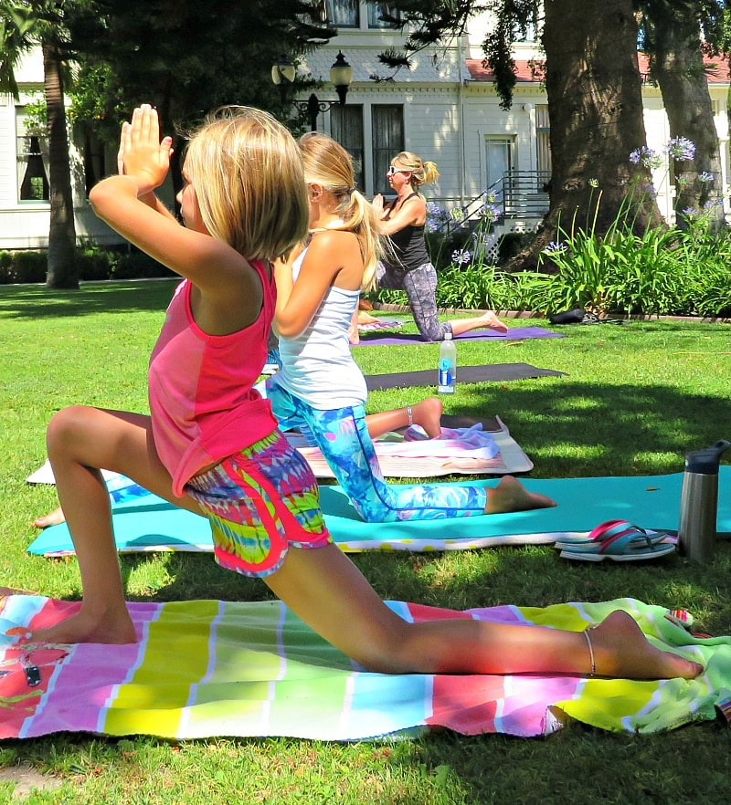Keep fit as a family with Ventura Pop Up Yoga ~ Unique things to do in Ventura County California with kids