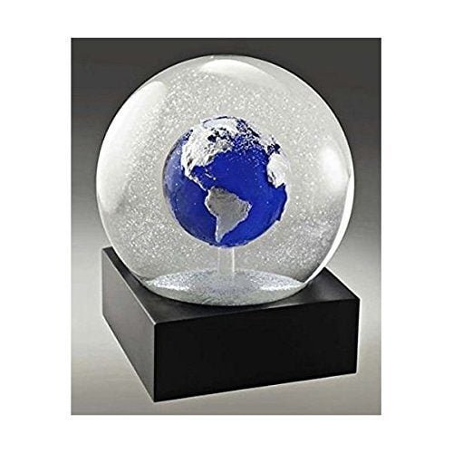 great gifts for travel lovers from amazon.com - blue earth snow globe