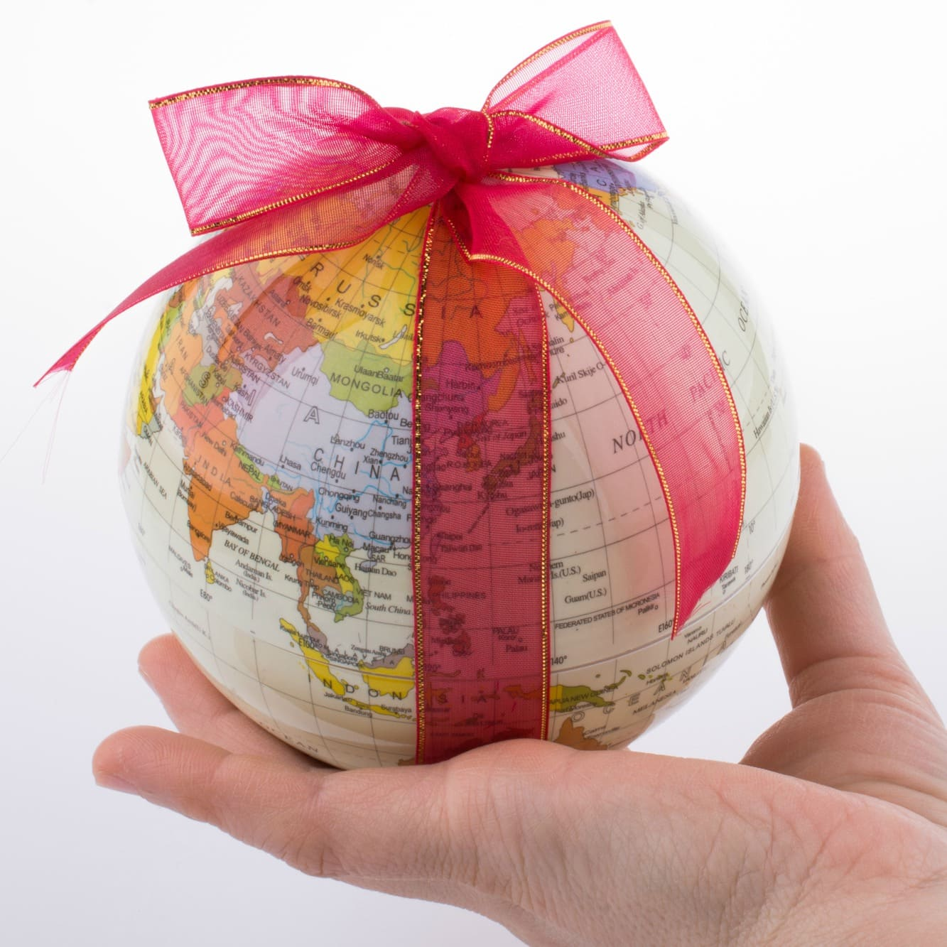 Gift Ideas for Travel Lovers ~ Keepsakes & Tastes from Around the World