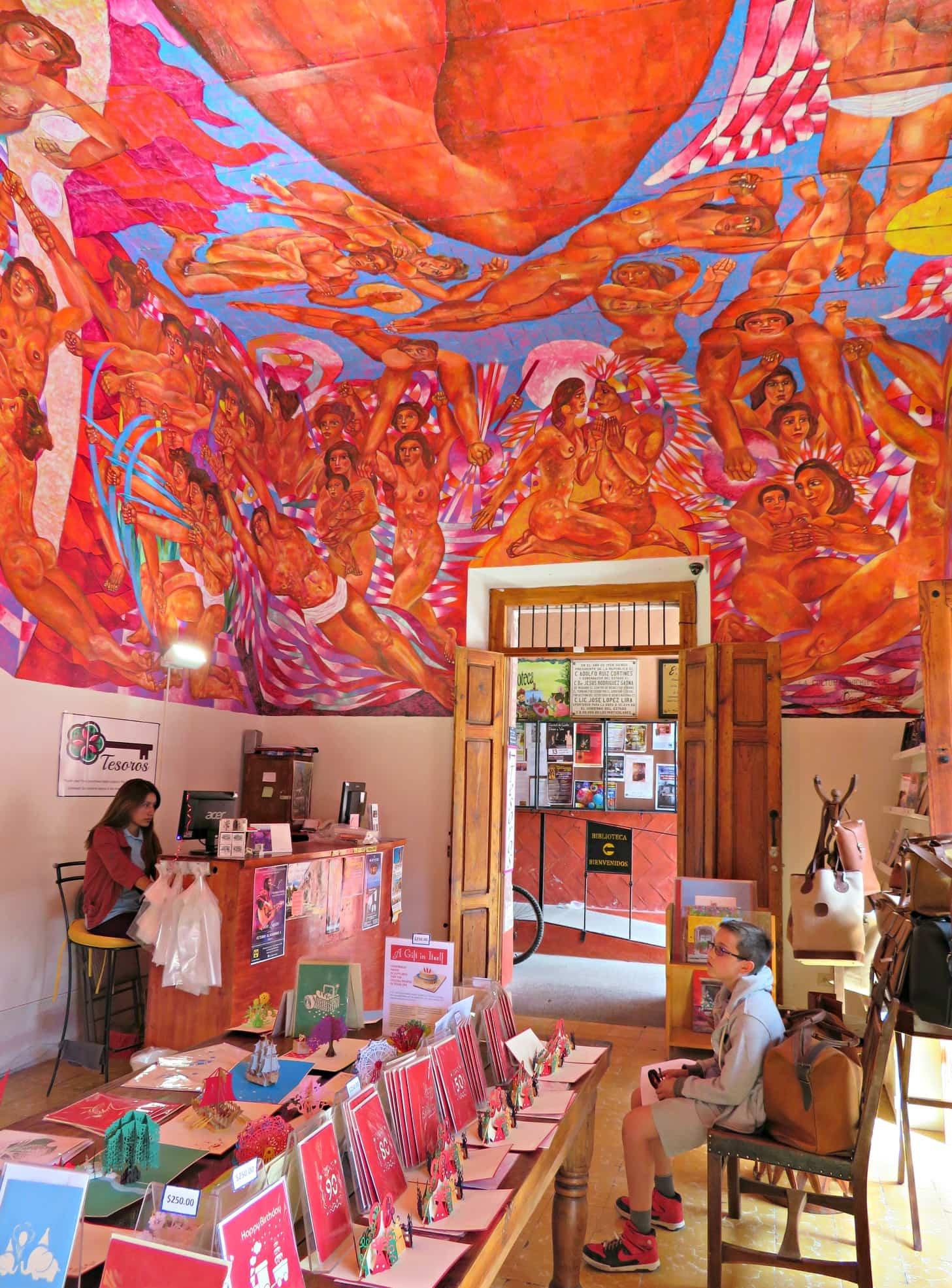 Biblioteca de San Miguel de Allende gift shop with its impressive mural ~ San Miguel de Allende with kids