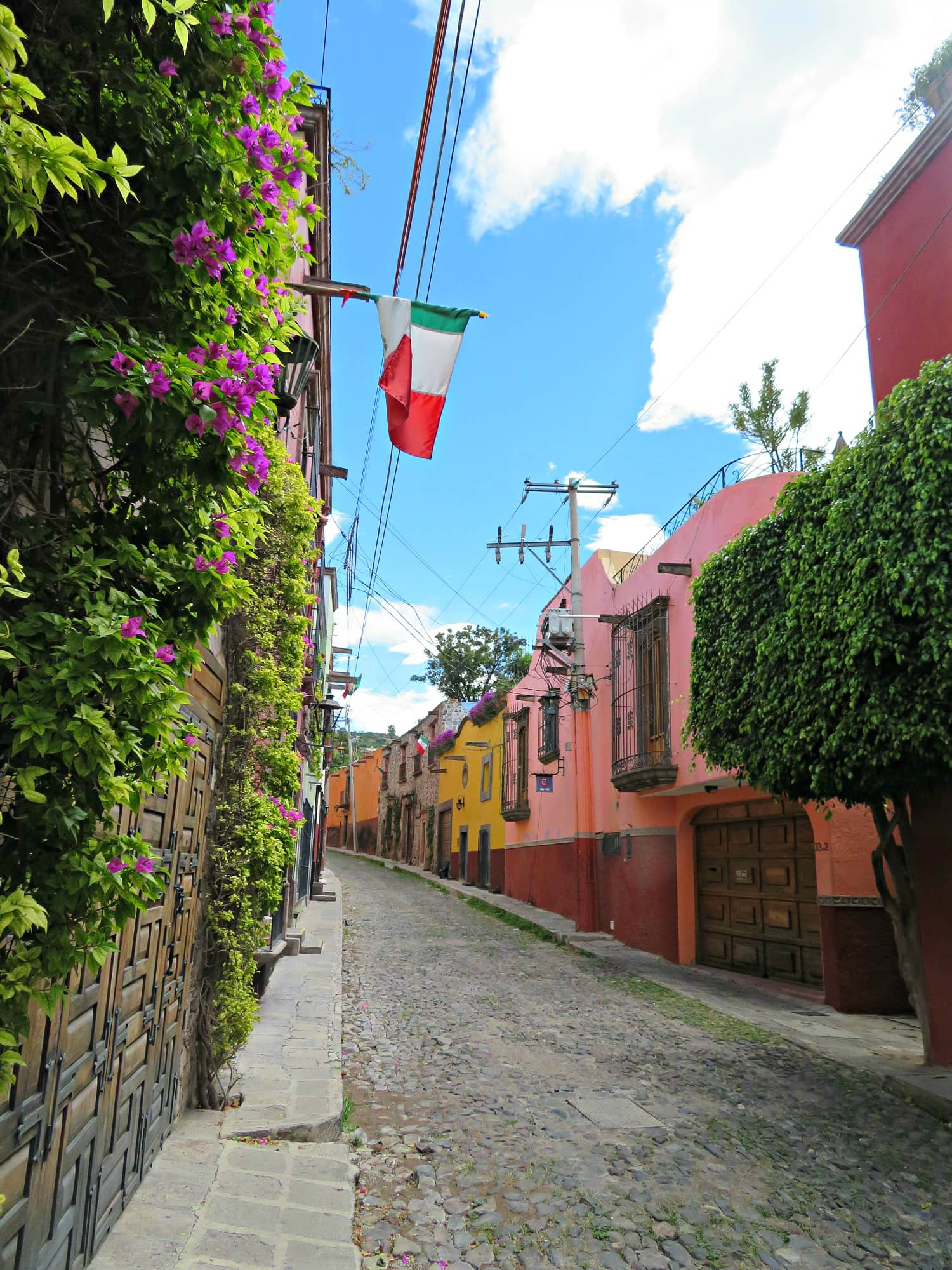 San Miguel de Allende with kids bursts with color and beauty