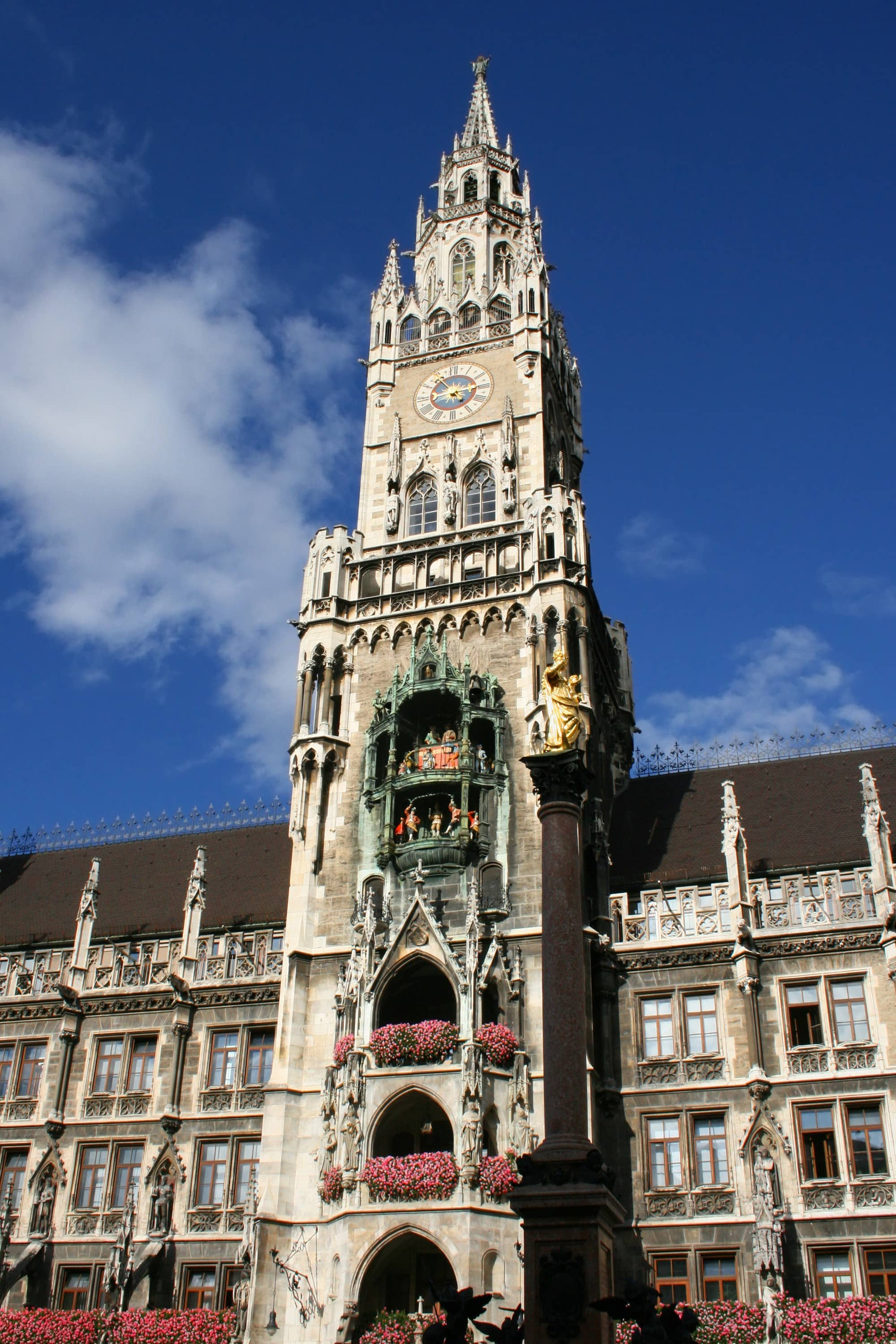 Tower of the New Neues Rathaus ~ Munich with kids