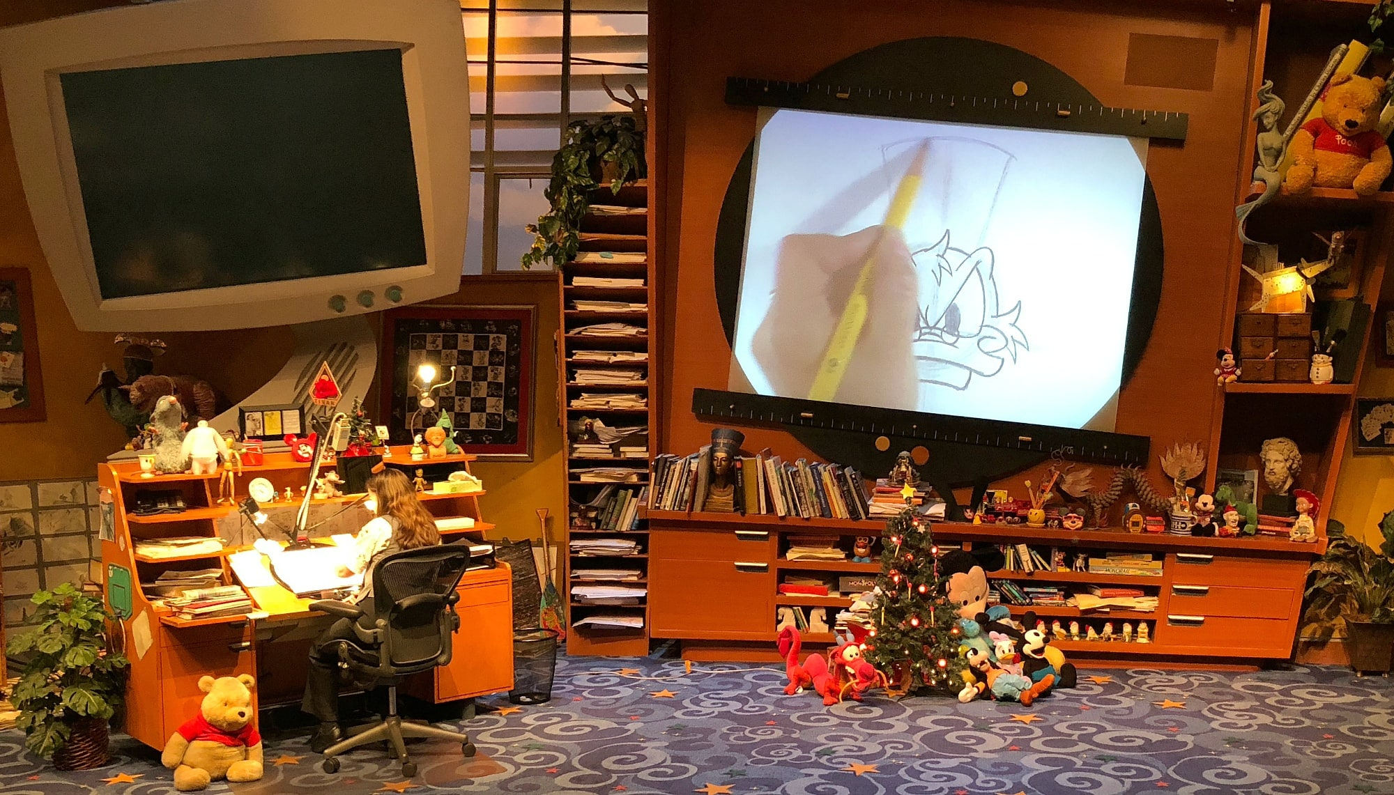 Get creative at Animation Academy at Disney California Adventure ~ Educational Things to Do at Disneyland with Kids