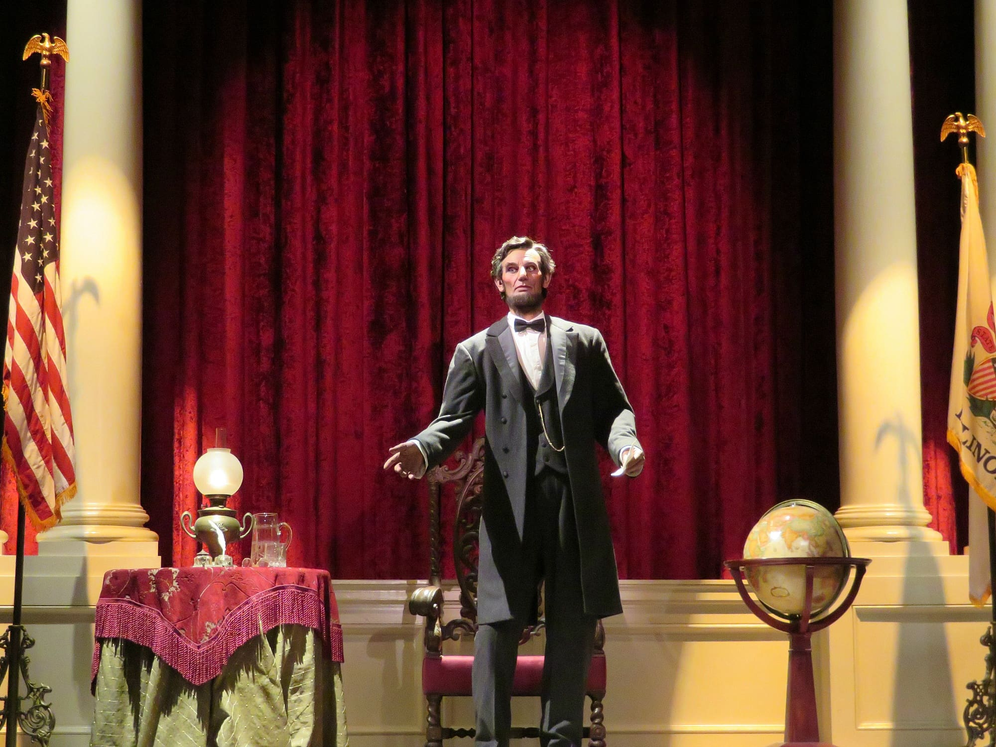 Learn American history at Great Moments with Lincoln ~ Educational Things to Do at Disneyland with Kids