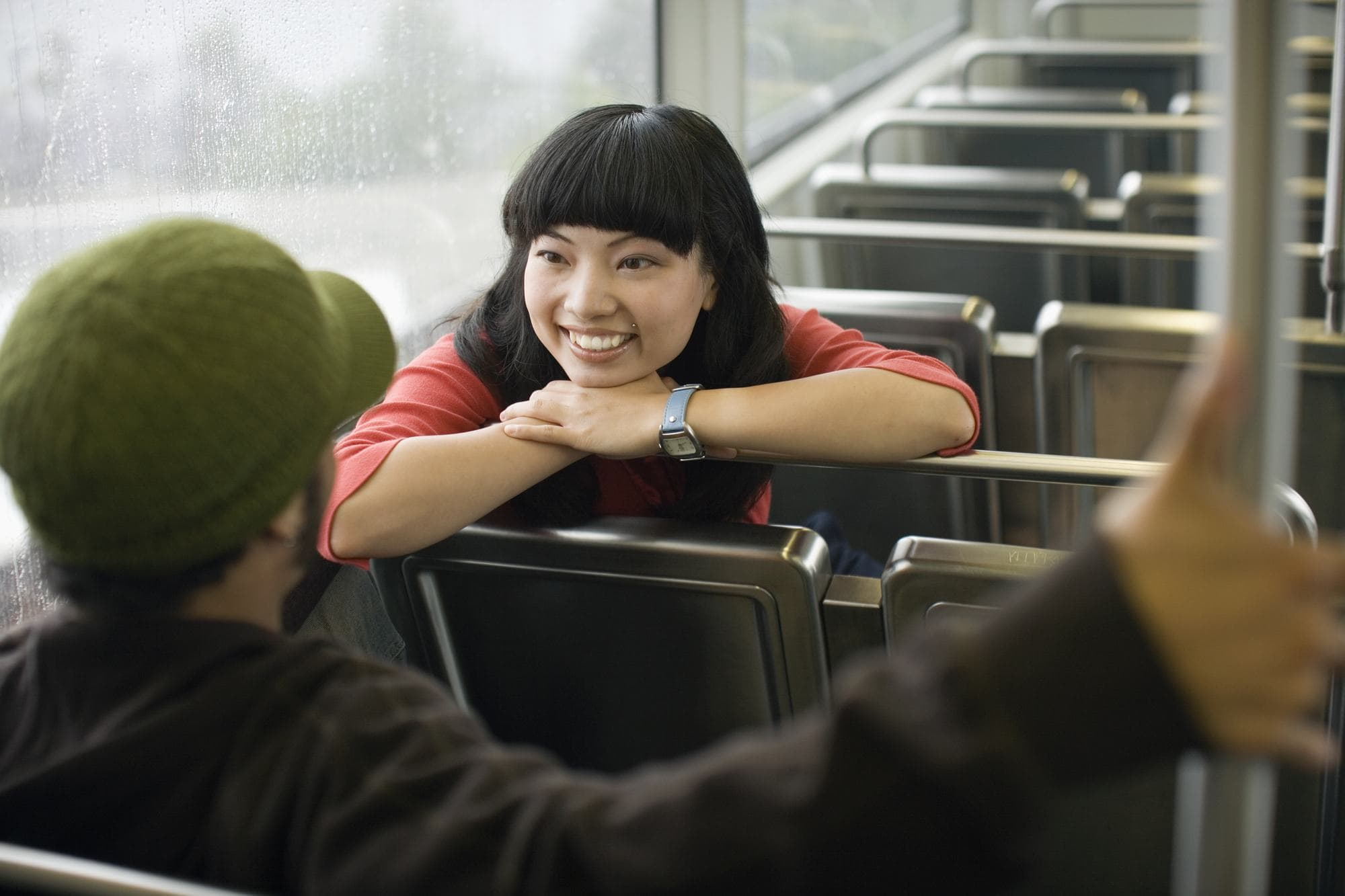 Learning a new language makes it easier to meet and communicate with people when traveling
