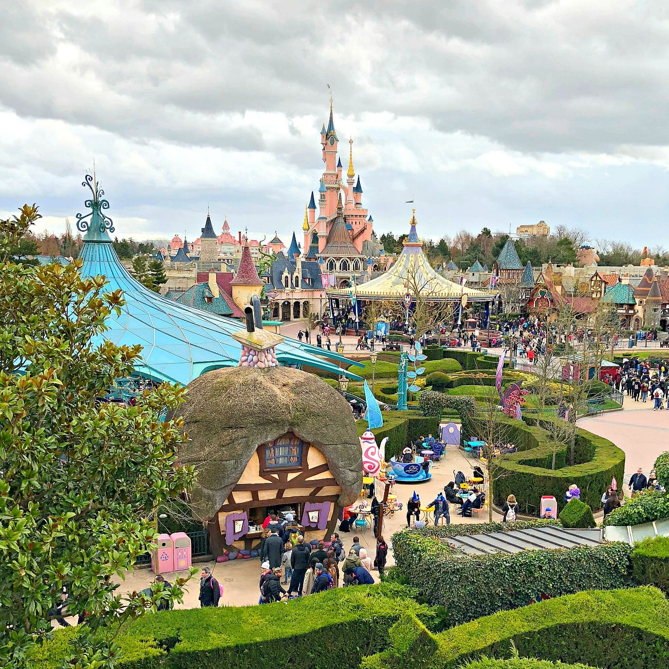 Disneyland Paris with Kids ~ A Disney Park with a French ...