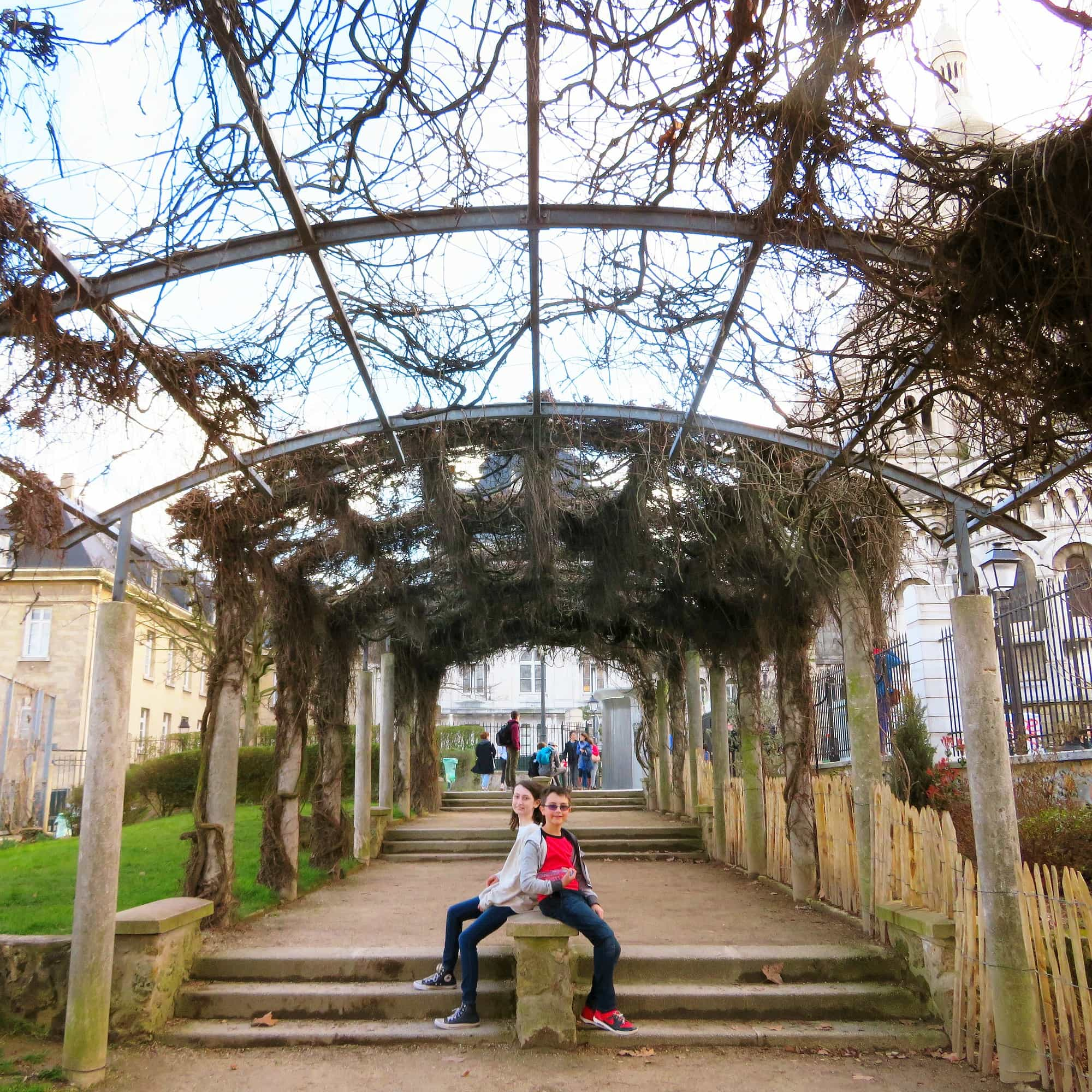 Parc de la Turlure in Montmartre, Paris with kids
