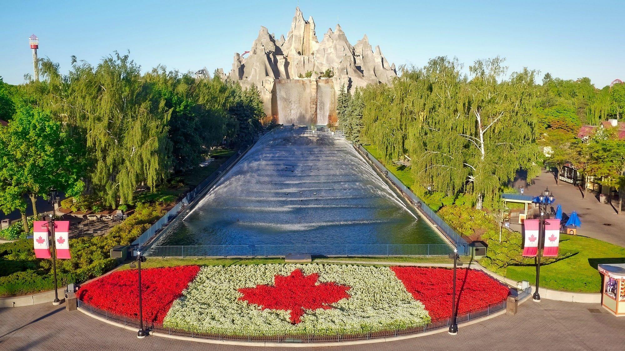Canada's Wonderland entrance