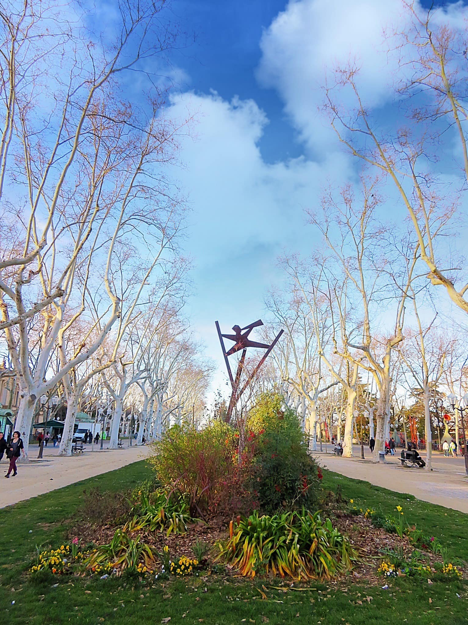 The beautiful Esplanade Charles de Gaulle is a beautiful place for a stroll in Montpellier with kids