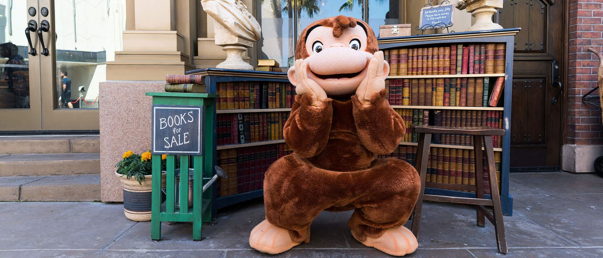 Meet beloved characters like Curious George at Universal Studios Hollywood with kids