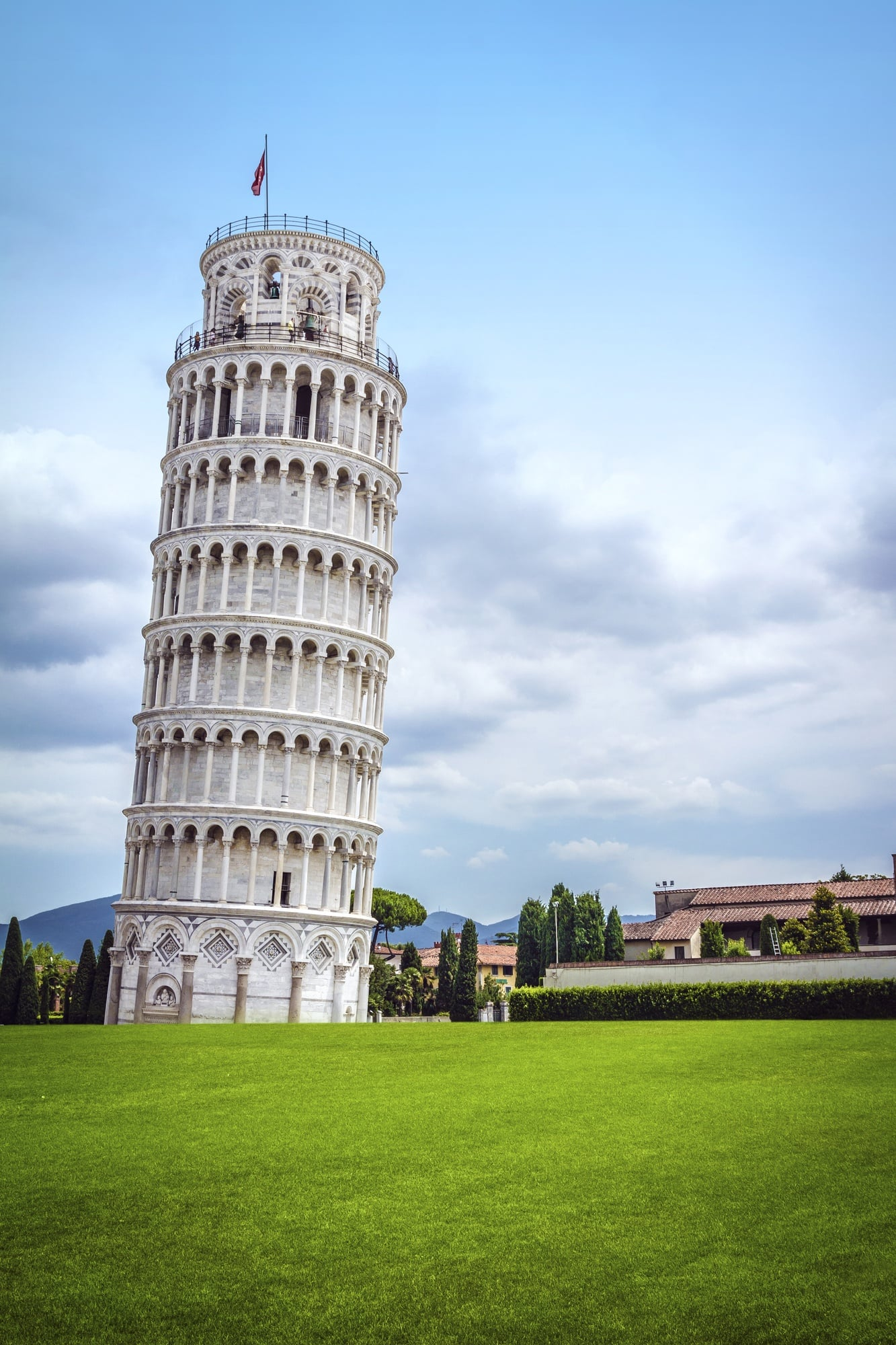 How many steps are there in the Leaning Tower of Pisa