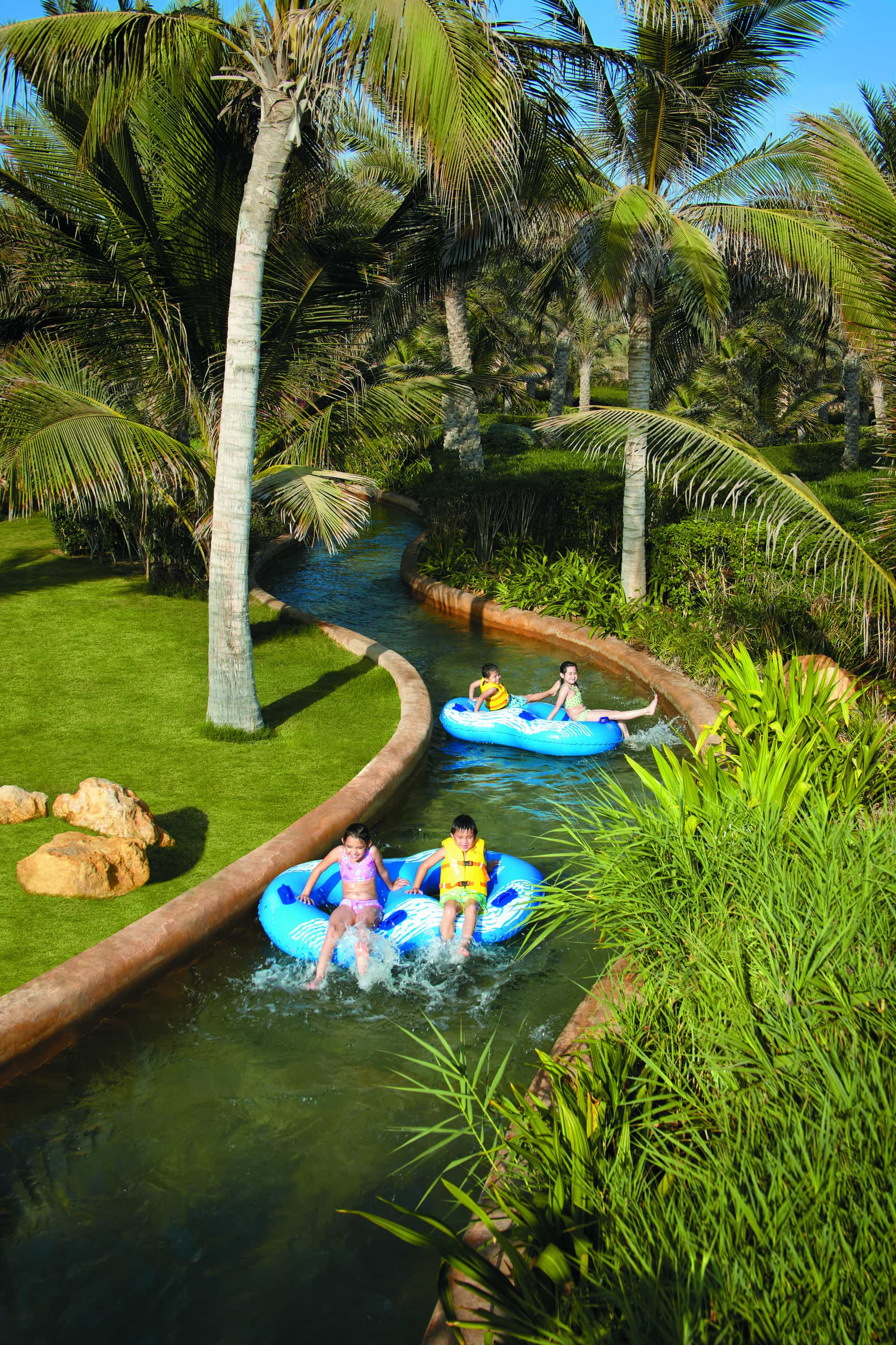 Shangri-La Bar Al Jissah Resort's lazy river
