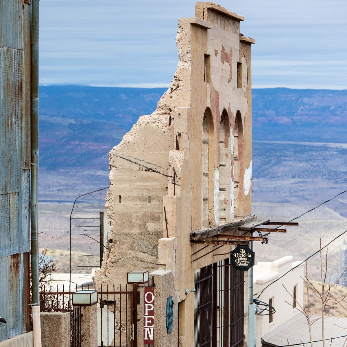 Things to Do in Jerome, Arizona ~ Exploring America's Biggest Ghost Town with Kids