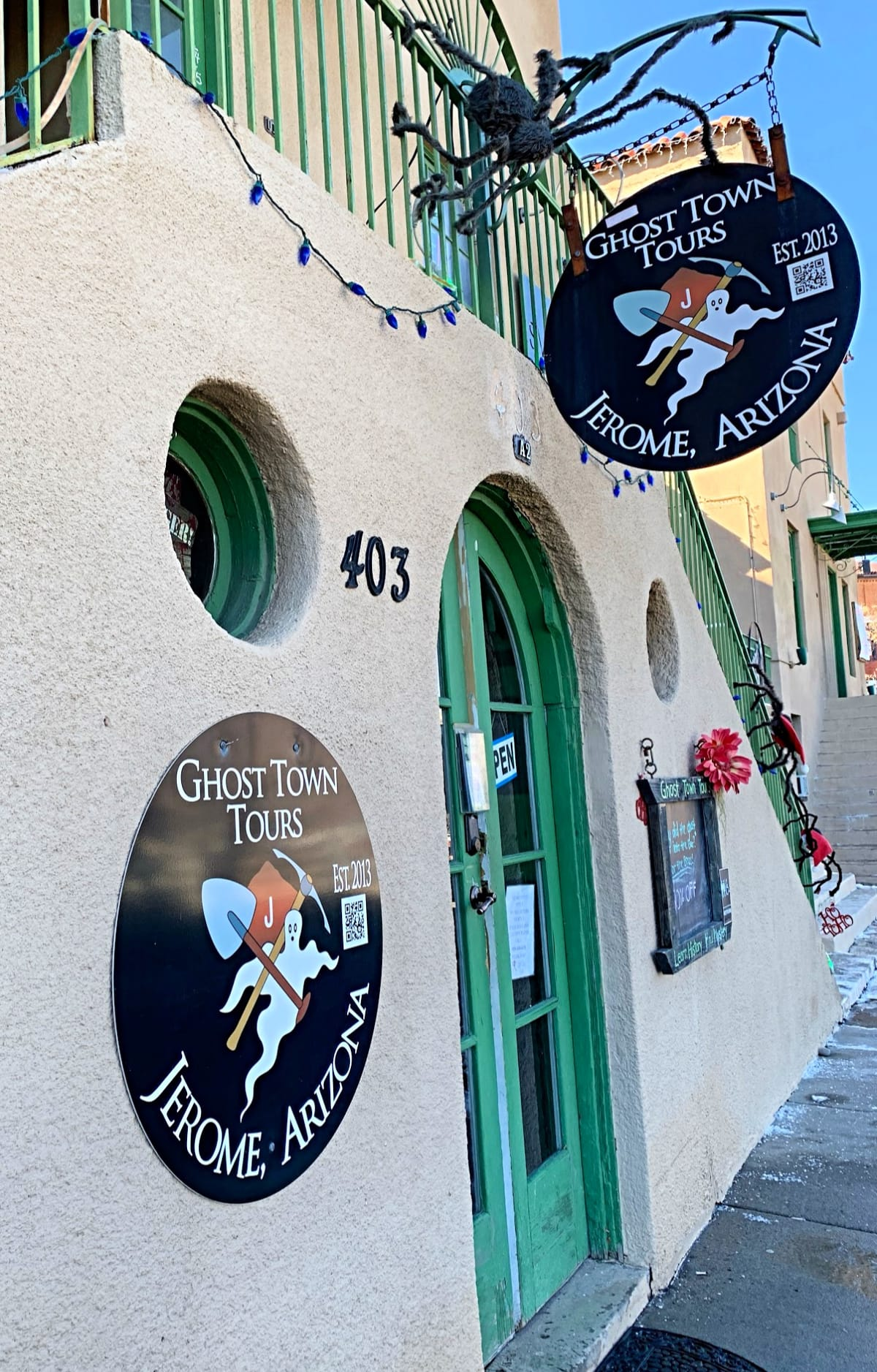 Choose a historic or haunted Ghost Town Tour of Jerome with kids
