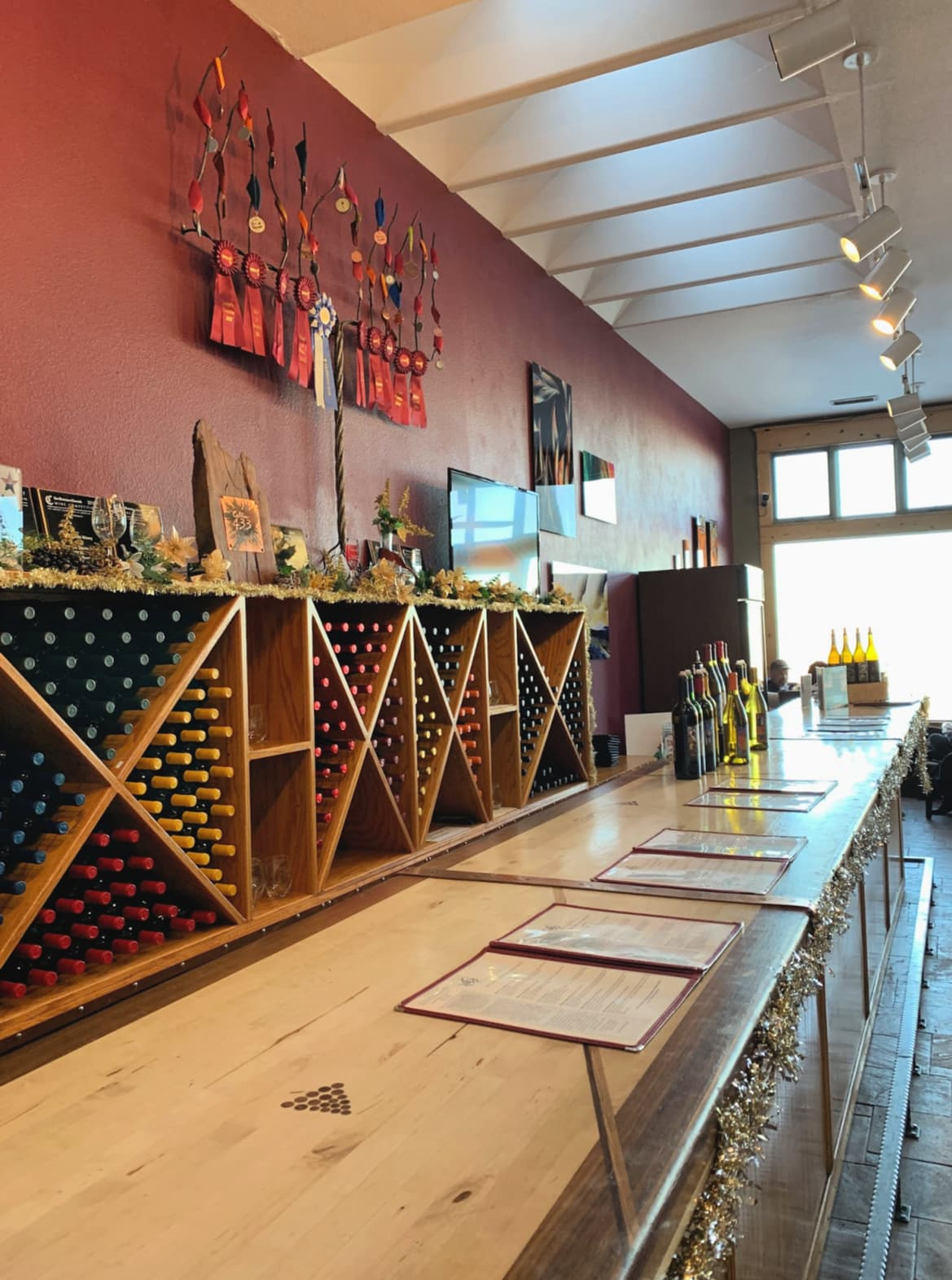 Wine tasting at Cellar 433 in Jerome with kids