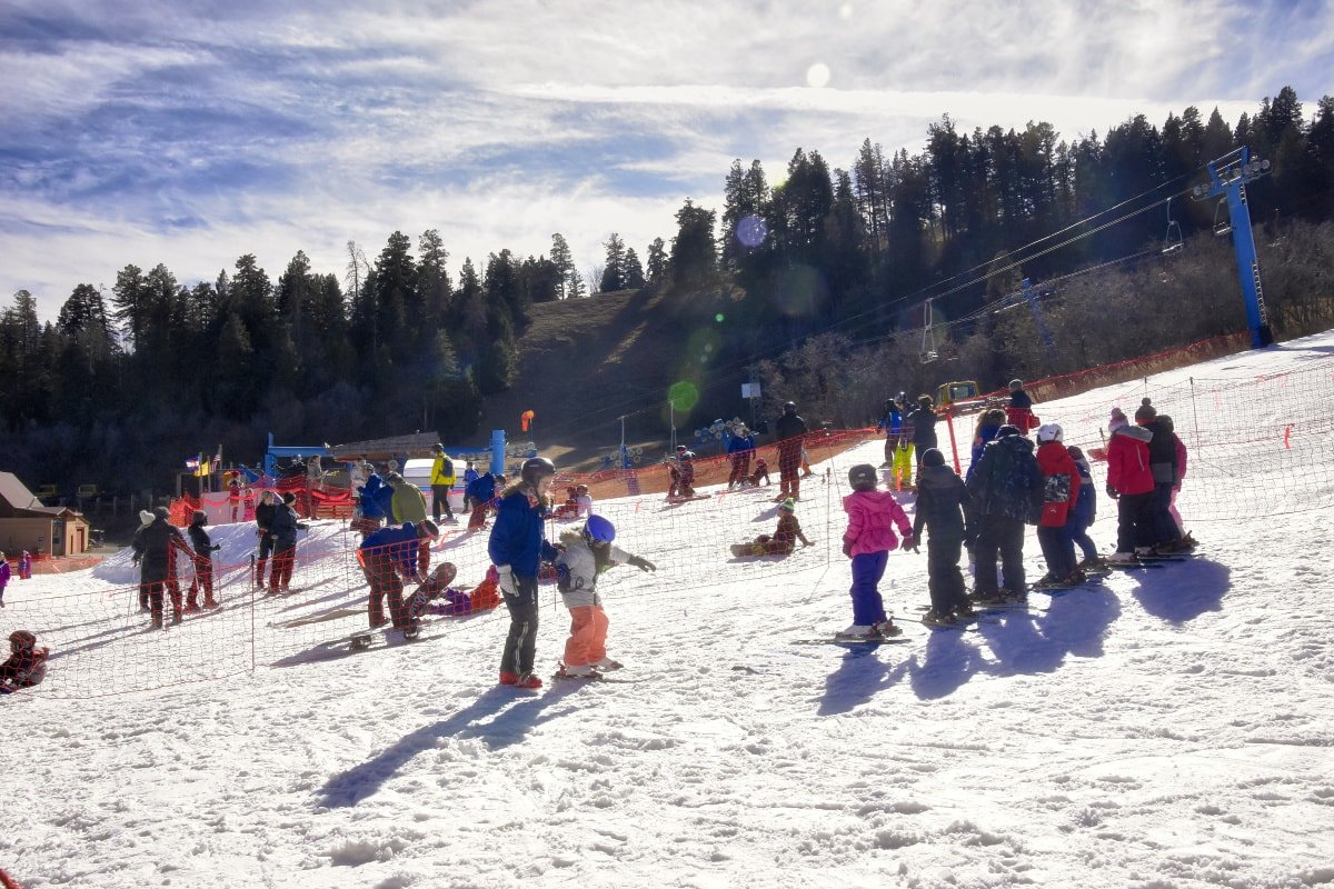 Kids can take ski lessons on Sandia Peak