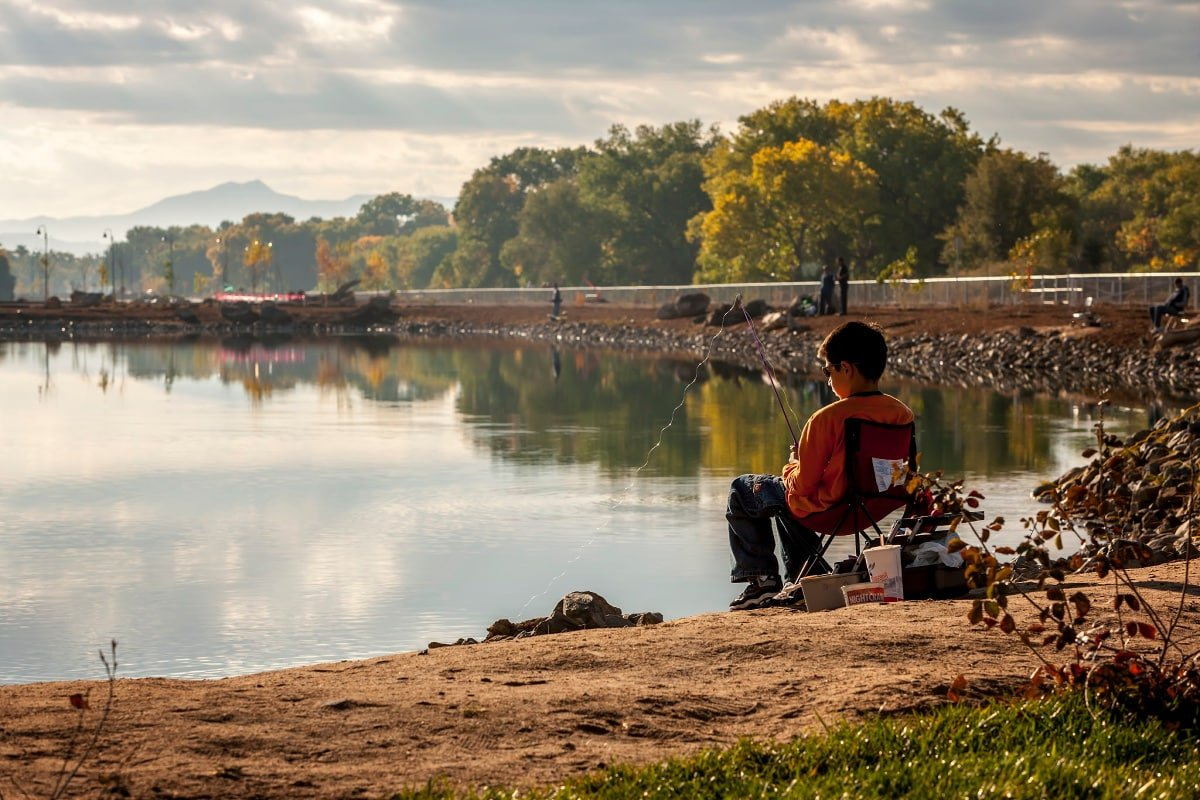 Young fishers will enjoy Tingley Beach in Albuquerque, New Mexico