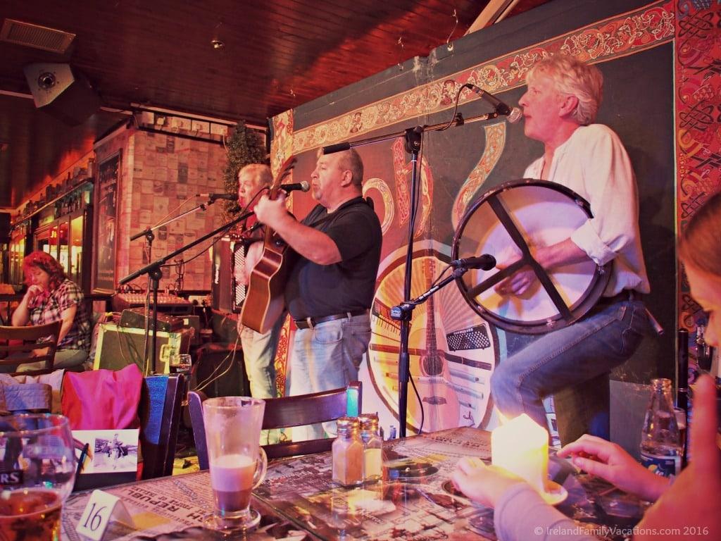 Live music in an Irish Pub