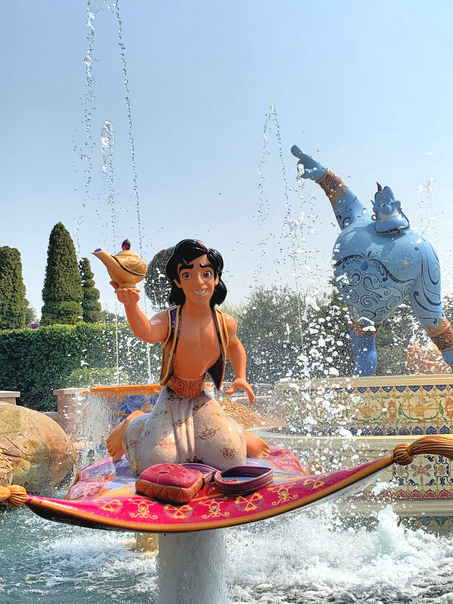 Aladdin display on on Voyage to the Crystal Grotto in Fantasyland at Shanghai Disneyland