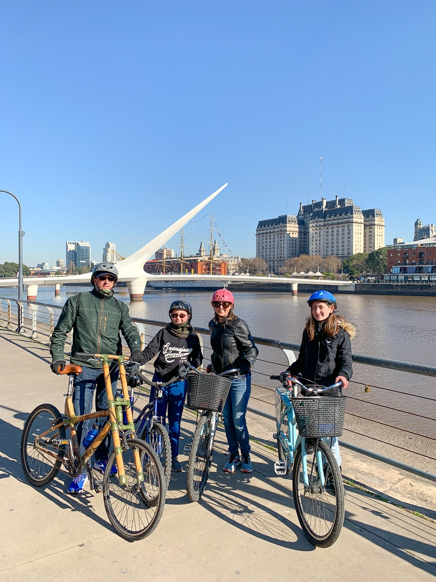 Family bicycle tour of Buenos Aires