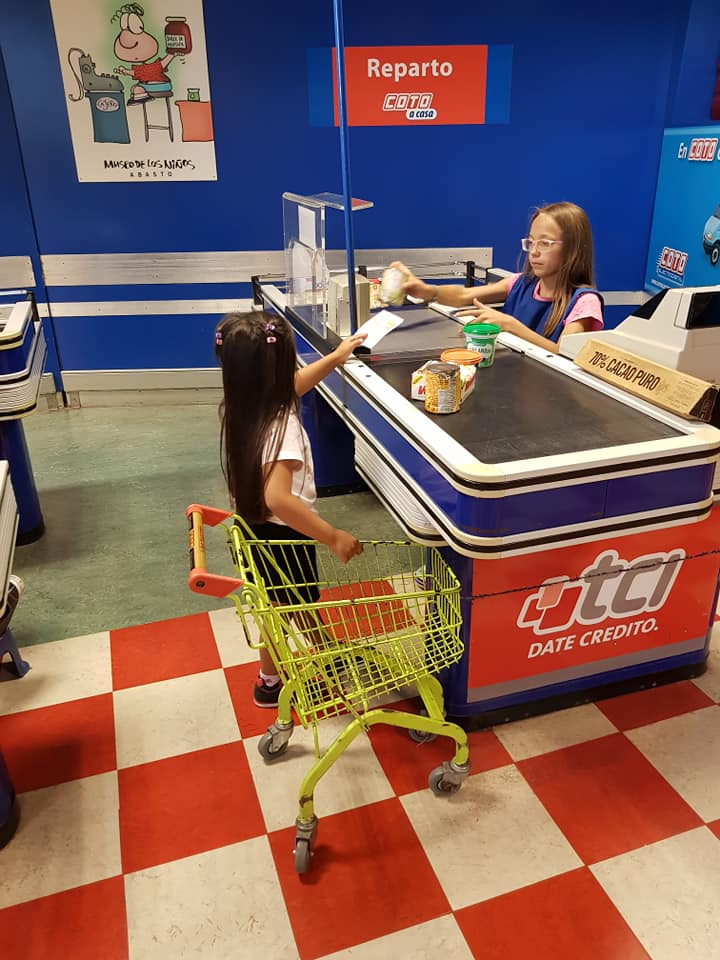 Kid-sized supermarket at Museo de los Niños