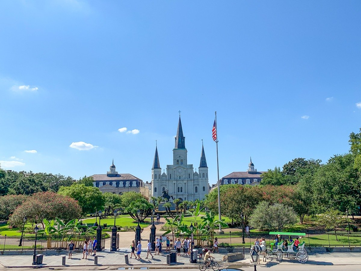 Jackson Square in New Orleans with Cathédrale Saint-Louis in the distance