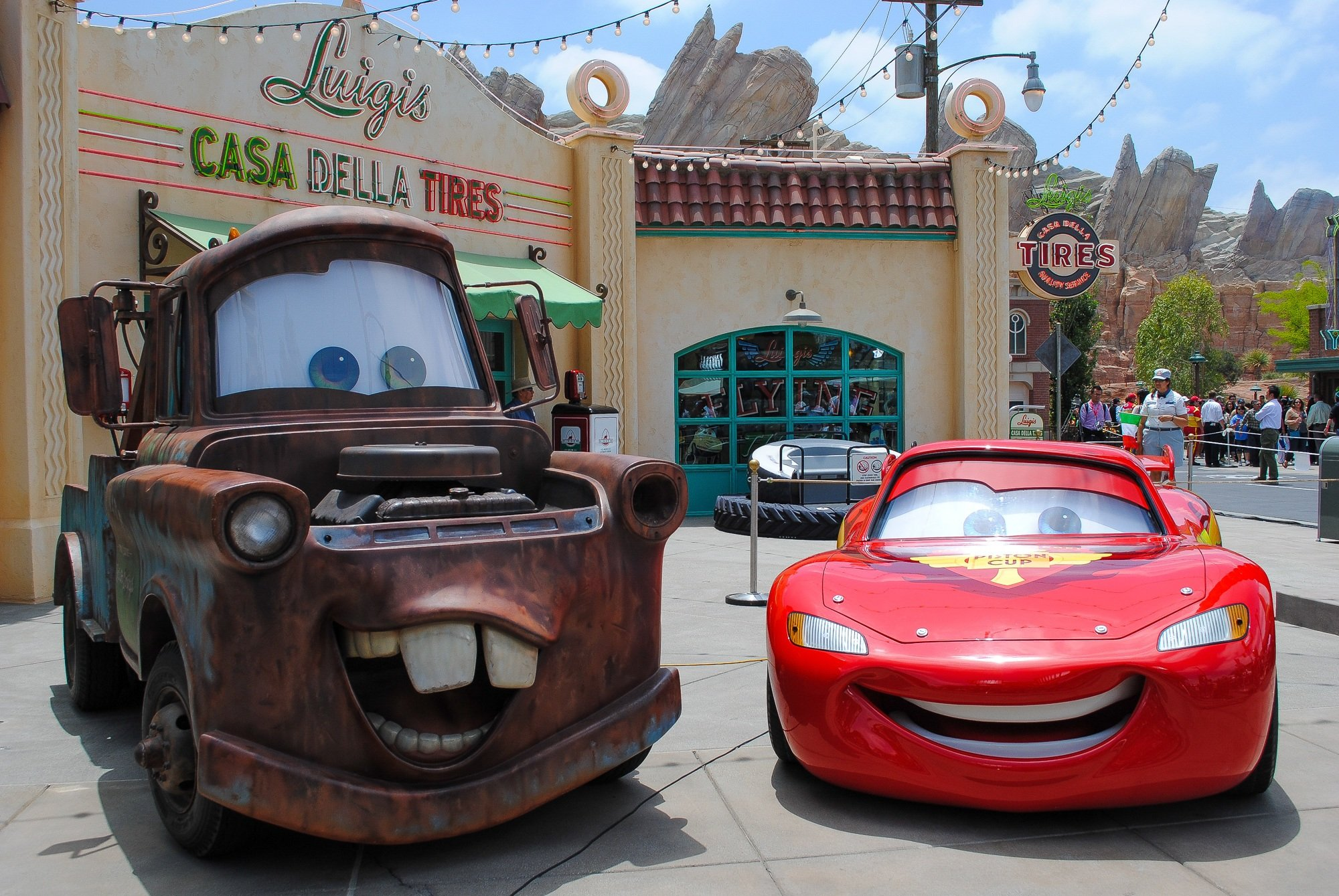 Tow Mater and Lightning McQueen in Radiator Springs Cars Land theme park