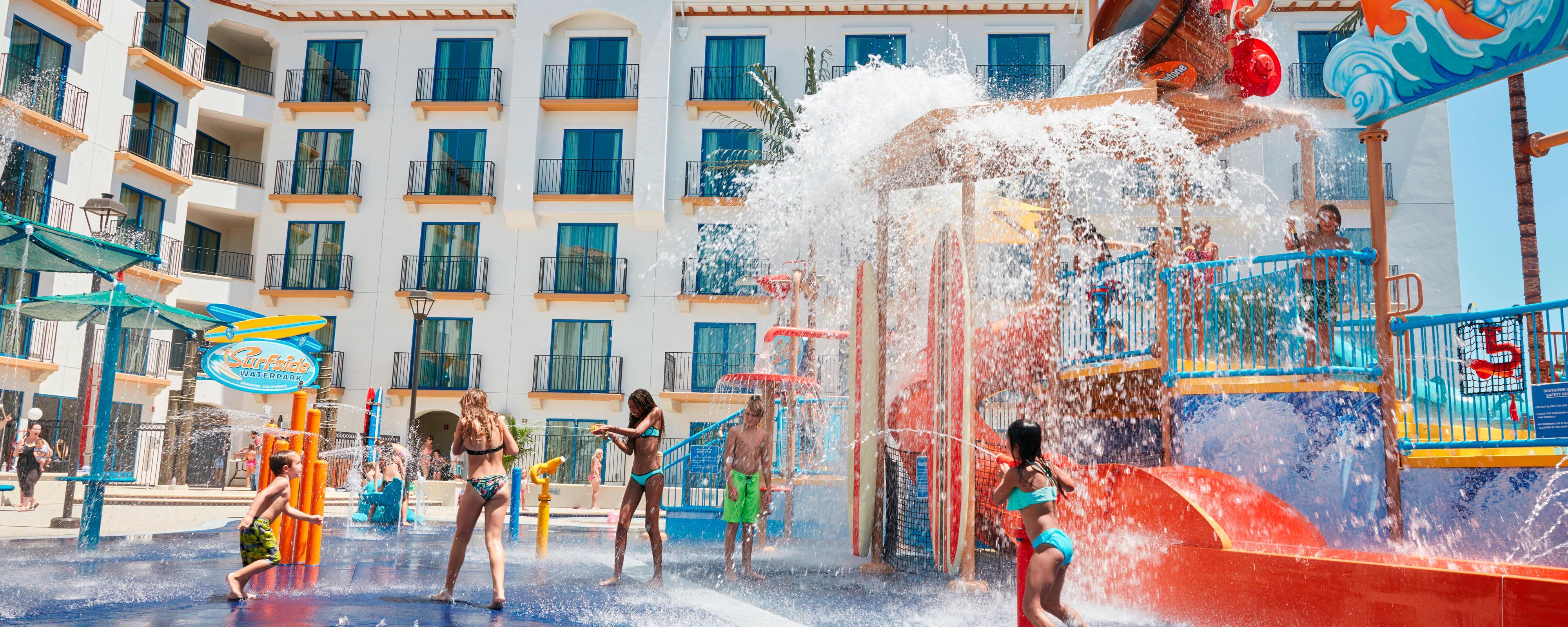 Courtyard Anaheim Theme Park Entrance pool area