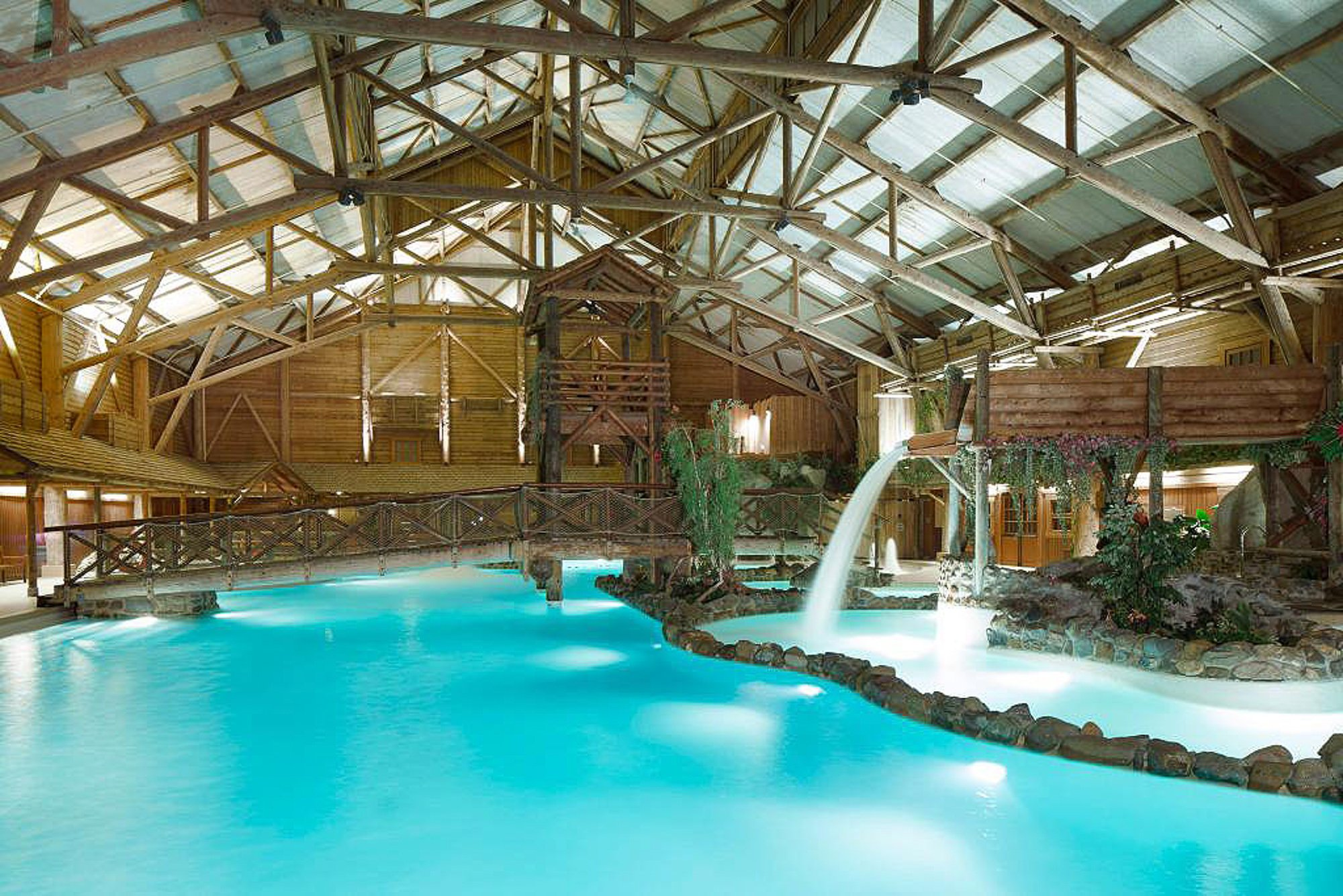 Disney's Davy Crockett Ranch indoor pool