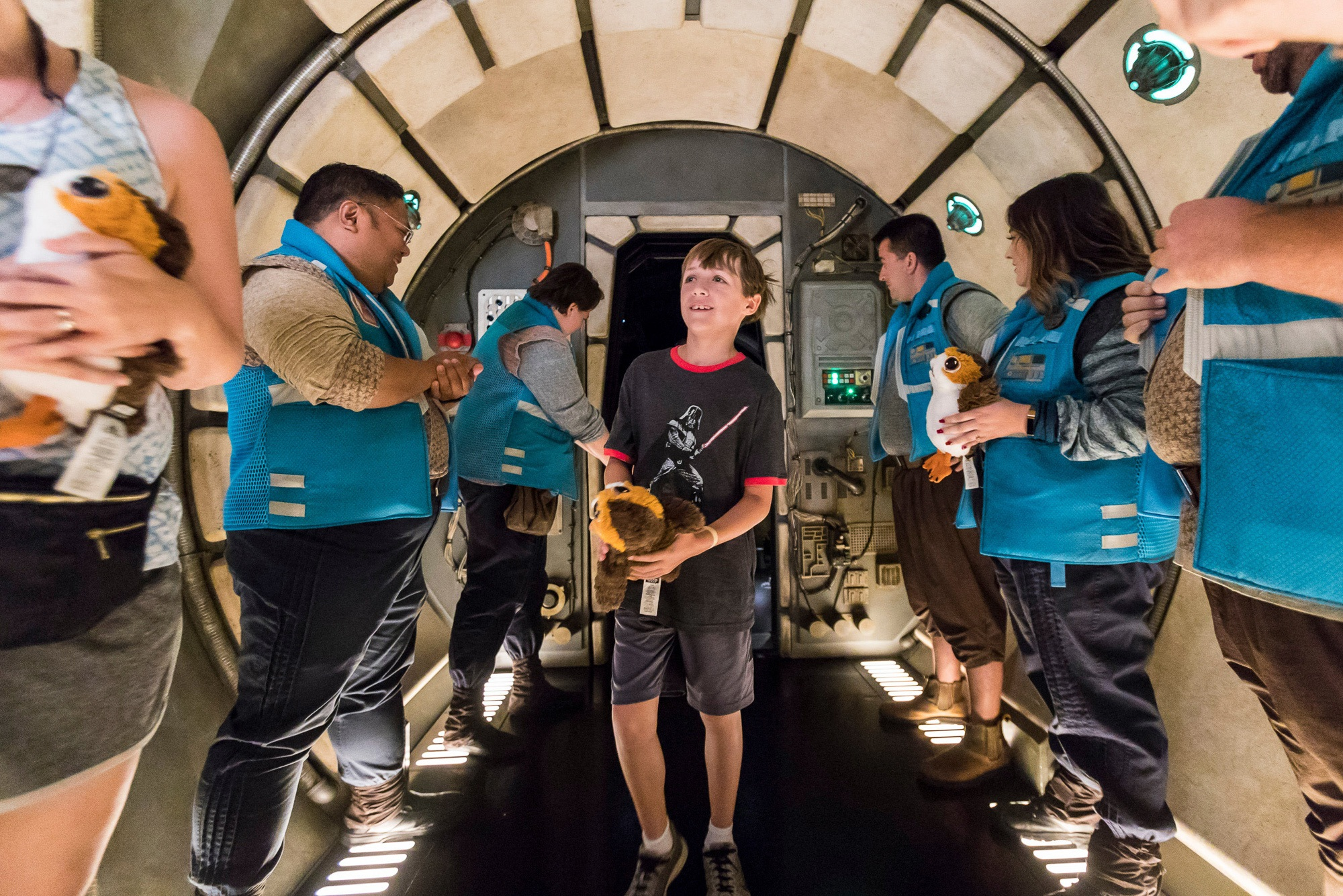Tween on Millennium Falcon: Smuggler's Run