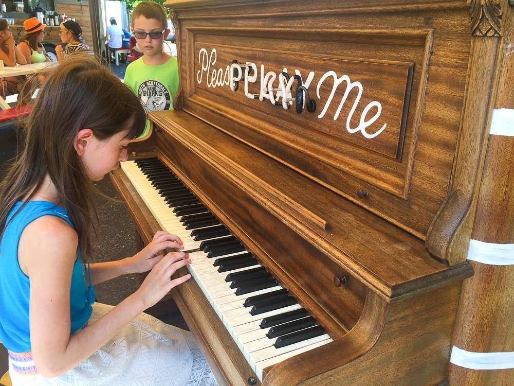 Public piano at Mississippi Marketplace