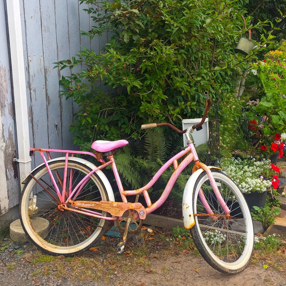 Bicycle in downtown Cannon Beach