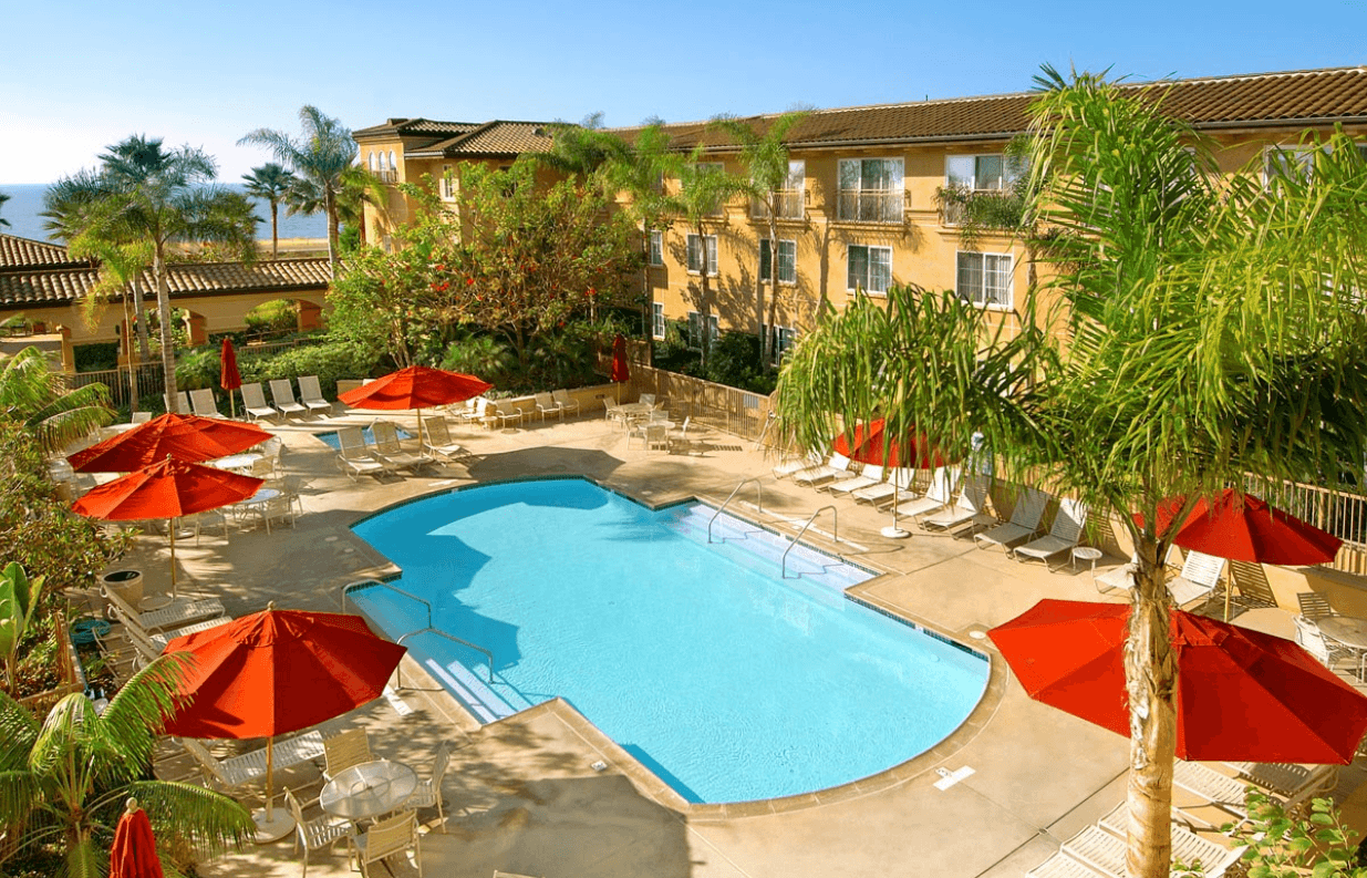 Hilton Garden Inn Carlsbad Beach pool