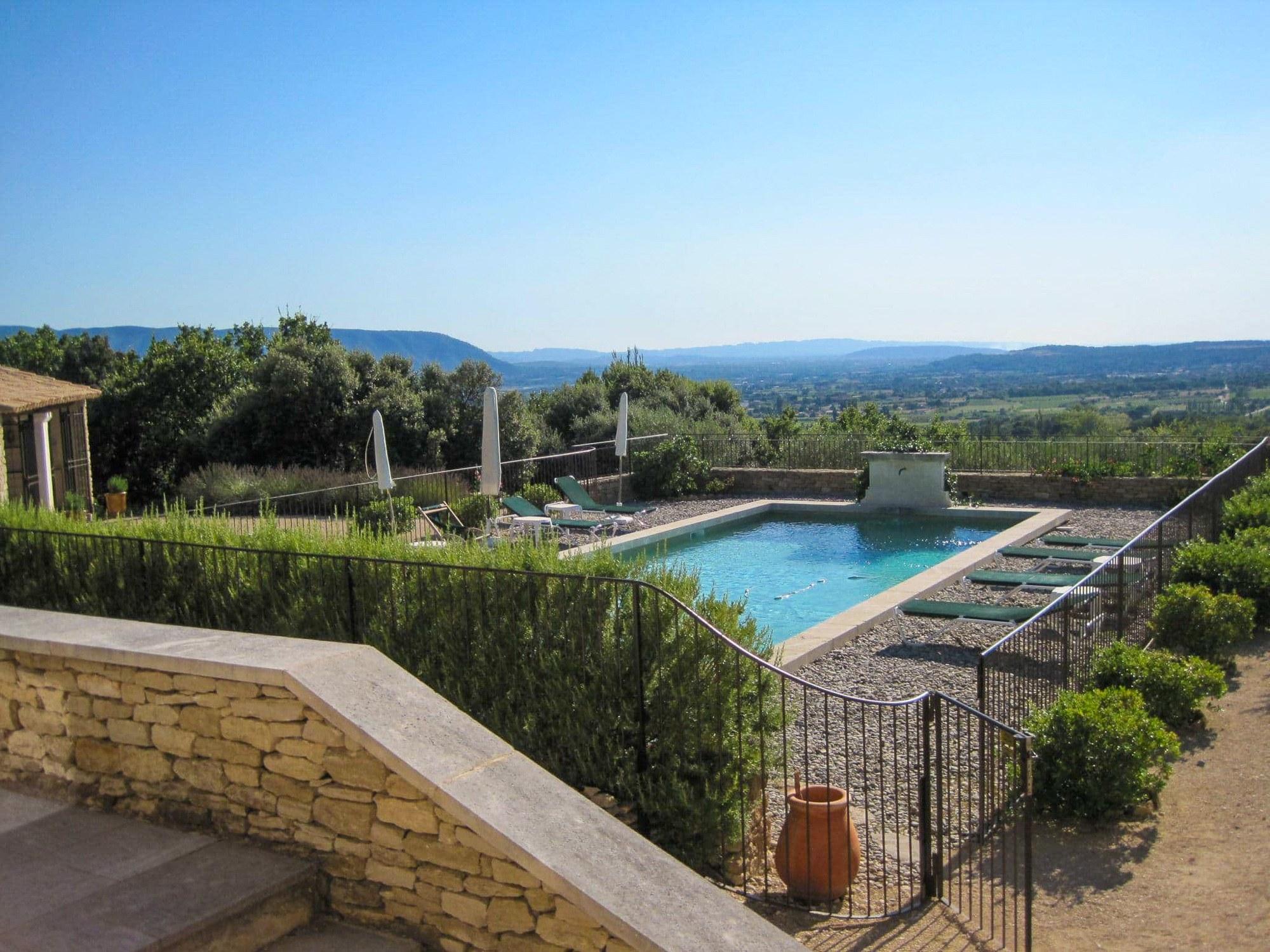 Villa with pool in Gordes