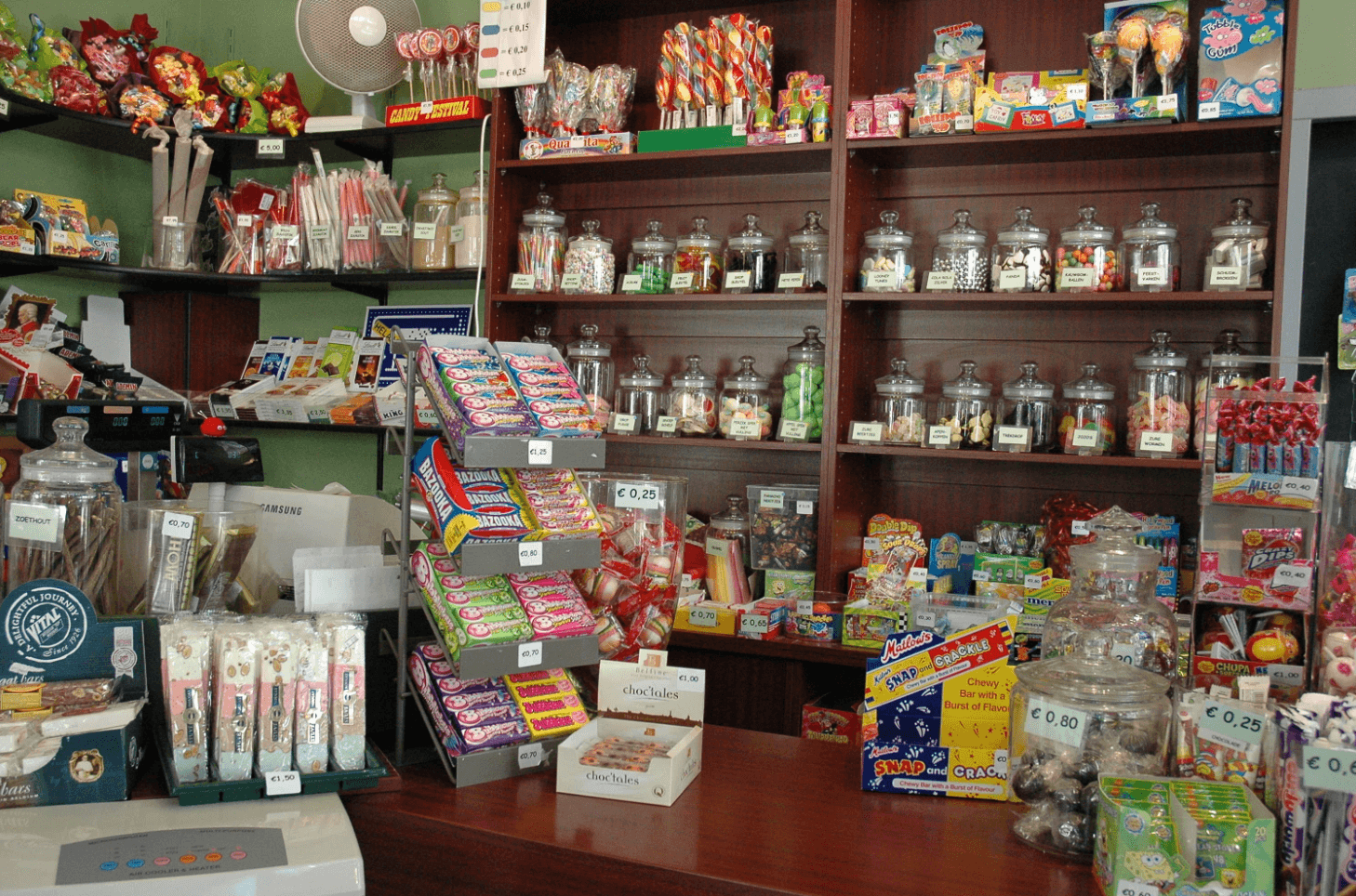 Oud-Hollandsche Snoep Winkeltje - Old Holland Candy Shop in Amsterdam
