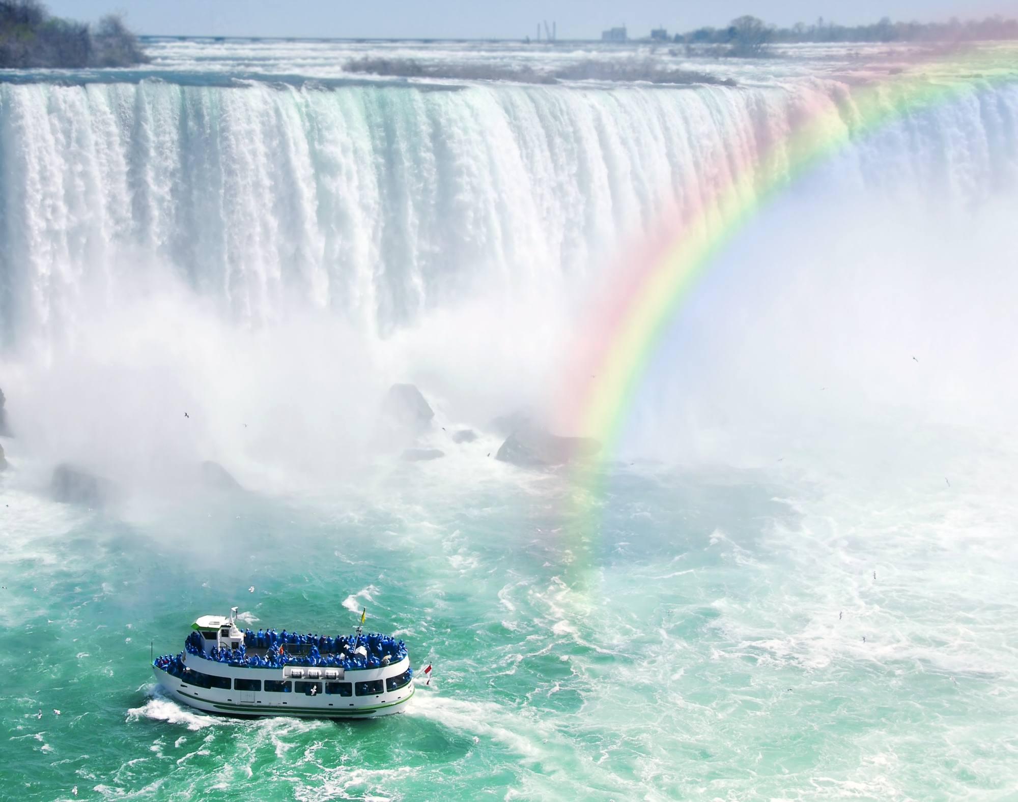 Maid of the Mist boat at Niagara Falls