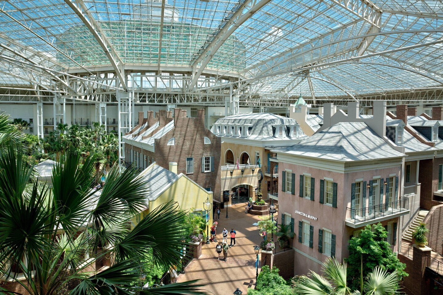 On-site shopping at Gaylord Opryland