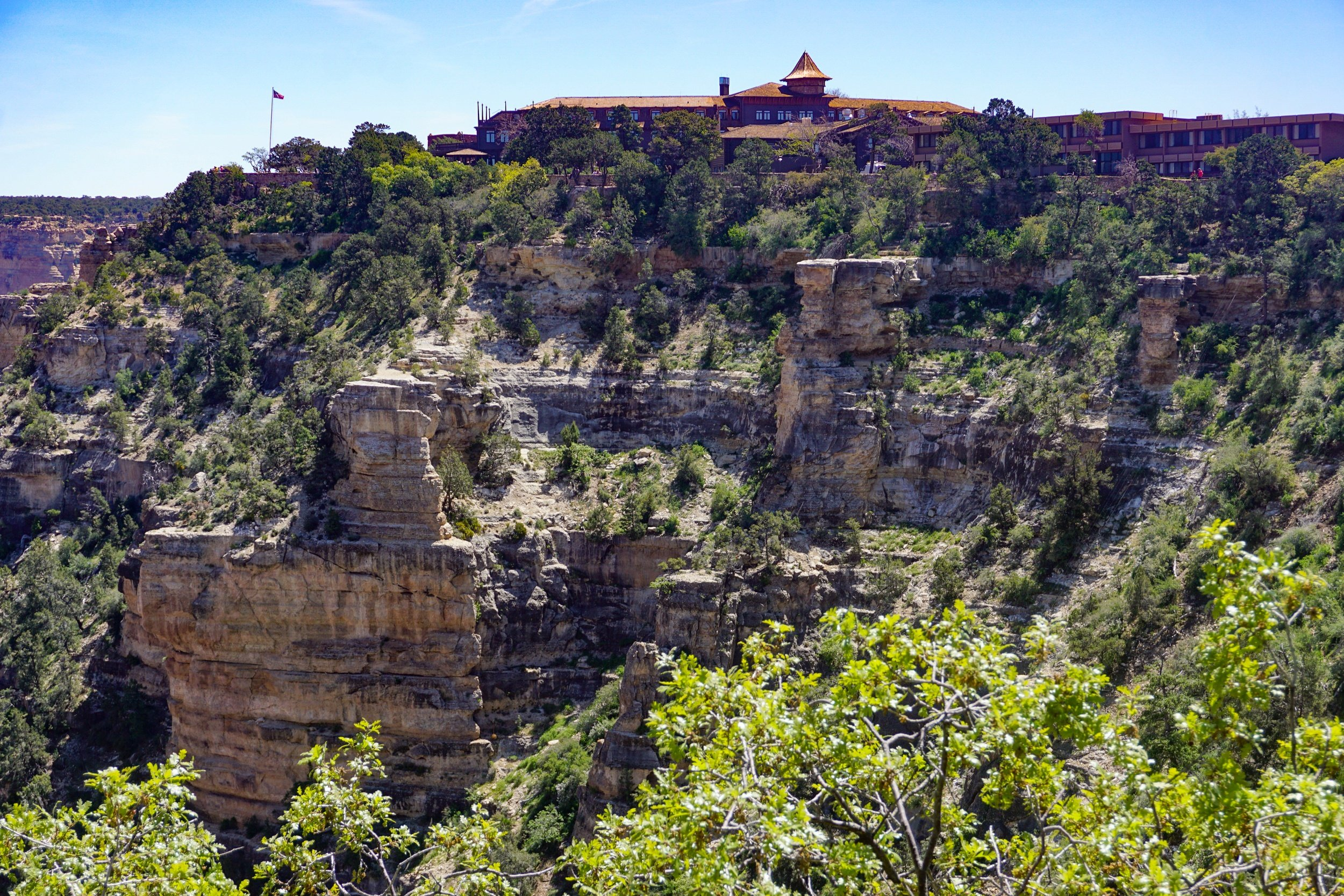 El Tovar Hotel on the rim of Grand Canyon South