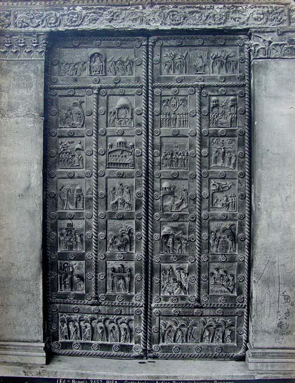 San Ranieri Gate, constructed by Bonnano Pisano