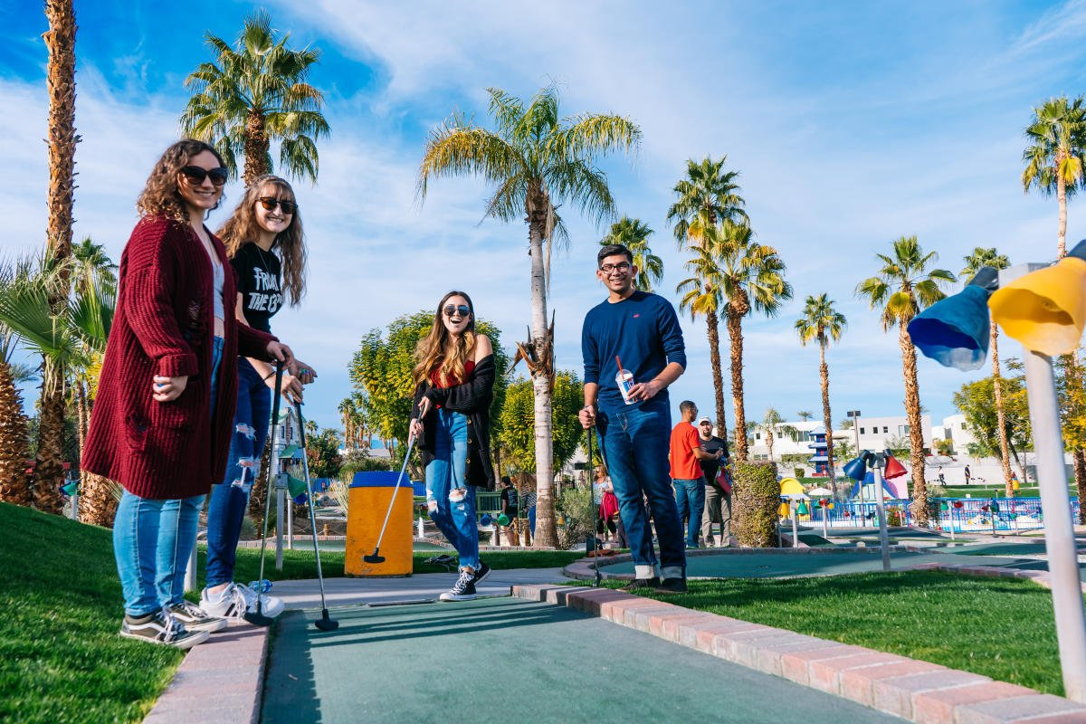 Boomers miniature golf in Palm Springs with kids