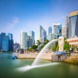 Singapore skyline and Merlion fountain