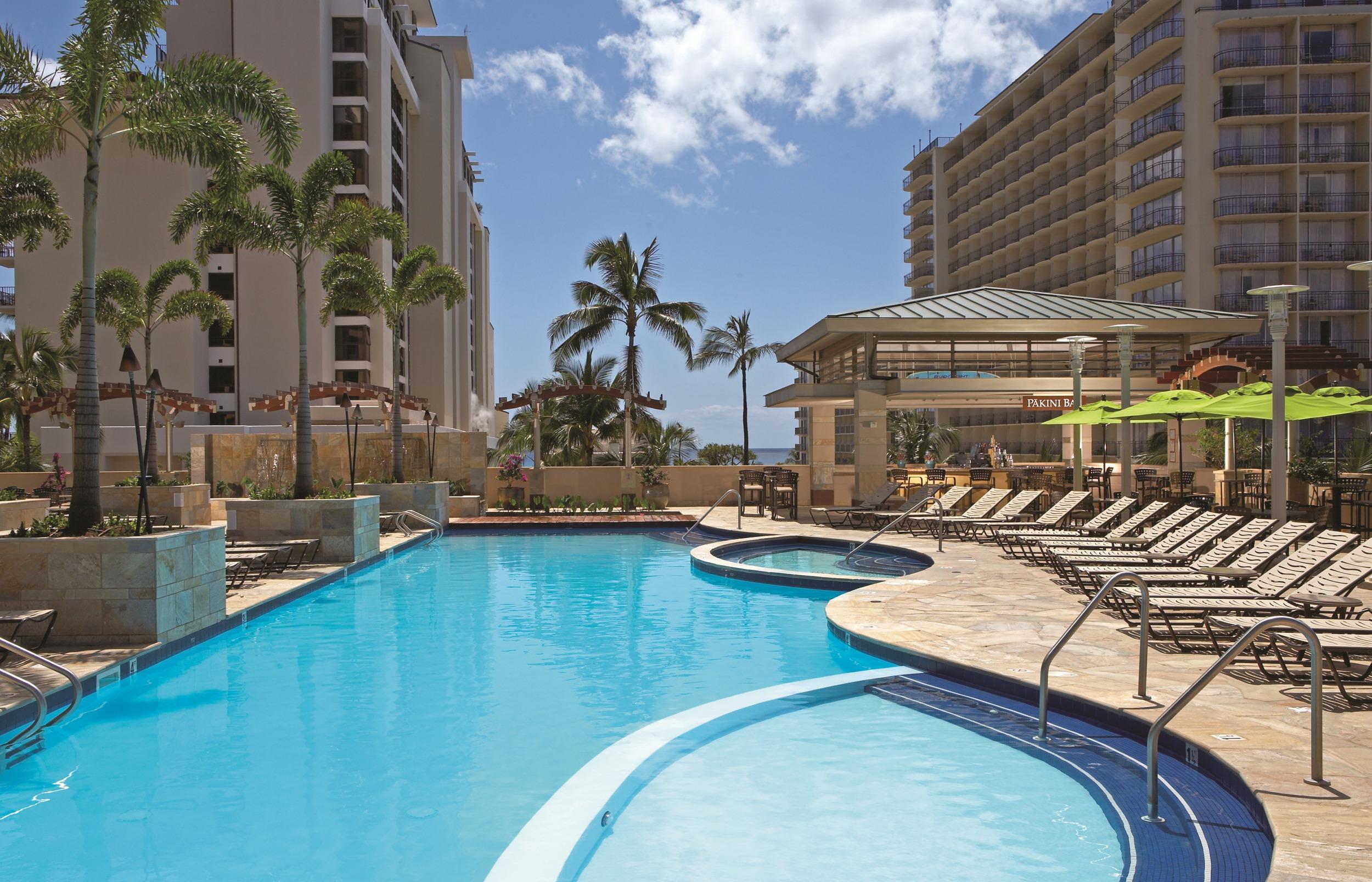 Embassy Suites Waikiki Beach Pool